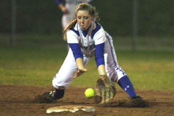 Kayla Sory fields a grounder at short for the Bryant Lady Hornets.