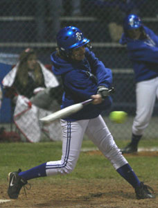 Sarah Hart drove in two runs against Little Rock Central.