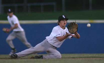 Austin Benning makes a play at second base. (Photo by Rick Nation)