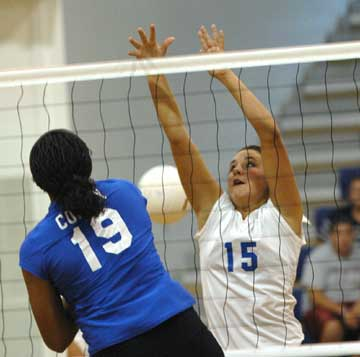 Aubree Allen (15) (Photo by Kevin Nagle)