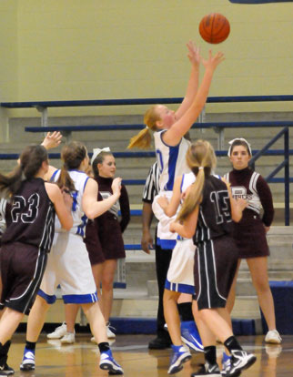 Rachel Miller attempts a shot for the Lady Hornets. (Photo by Kevin Nagle)