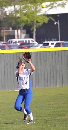 Carly Yazza settles under a fly in left. (Photo by Kevin Nagle)