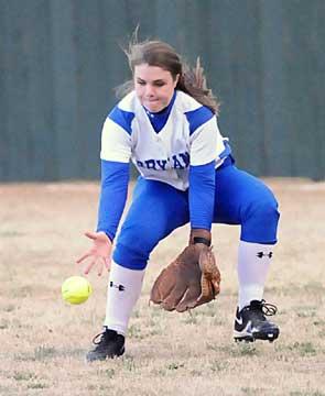 Right fielder Katy Stillman sets to field a ball. (Photo by Kevin Nagle)