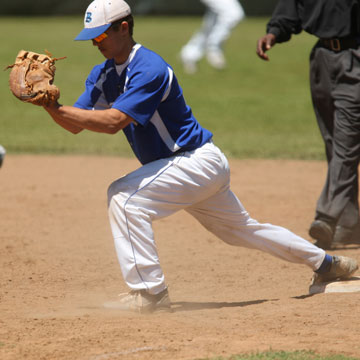 Josh Pultro stretches for a throw to first. (Photo by Rick Nation)