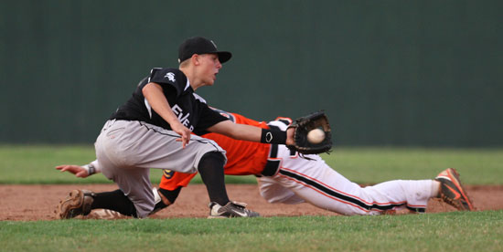 Bryant second baseman Korey Thompson takes a throw as Newport's Gunnar Bullard dives for the bag on a steal attempt. (Photo by Rick Nation)
