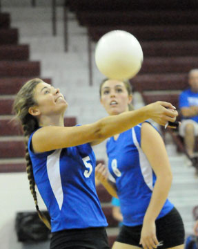 Mercedes Dillard (5) and Erica Smith (8). (Photo by Kevin Nagle)
