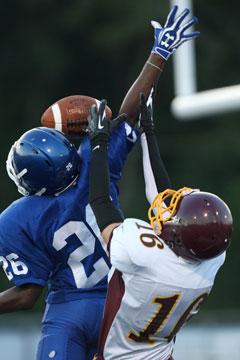 Kris Croom (26) breaks up a pass in the end zone intended for Lake Hamilton's Jarrod Woodall. (Photo by Rick Nation)