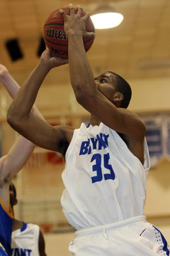 Brian Reedfinished with 5 points seven rebounds and three steals. (Photo by Rick Nation)
