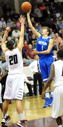Tyler Simmons (1) finished with 10 points in Tuesday's game. (Photo by Kevin Nagle)