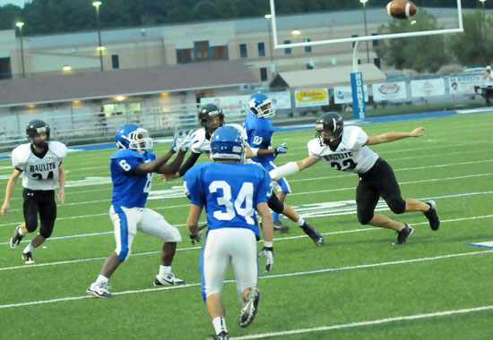 Chace Henson (6) prepares to catch a pass in front of Hunter Freeman and Pierce Finney (80). (Photo by Kevin Nagle)