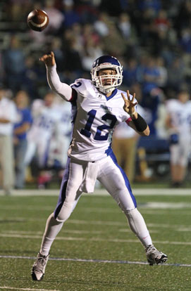 Brandan Warner was 8 of 11 passing for 138 yards and three touchdowns. (Photo by Rick Nation)