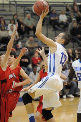 Tristan Calhoun looks to score. (Photo by Kevin Nagle)