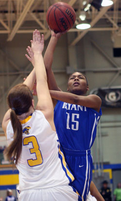 Jayla Anderson shoots over Sheridan's Josey Love. (Photo by Rick Nation)