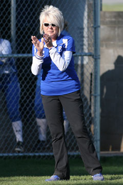 Head coach Debbie Clark encourages her players. (Photo by Rick Nation)