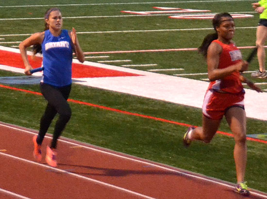 Haley Hood, left, draws closer to her nearest competitor. (Photo courtesy of Julie Shelby)