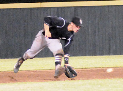 Second baseman Korey Thompson made several sparkling defensive plays for the Black Sox Sunday. (Photo by Kevin Nagle)