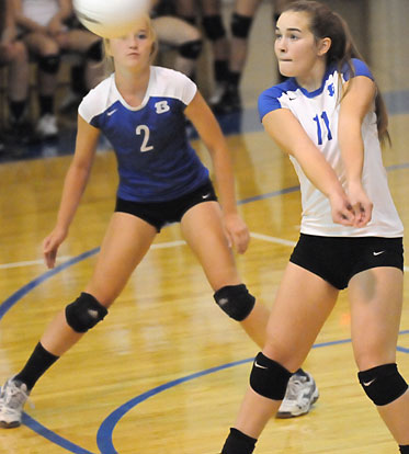 Whitney Brown (2) and Abby Staton (11). Photo by Kevin Nagle)