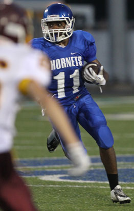 Diante Woodson rushed for 132 yards on 14 carries. (Photo by Rick Nation)