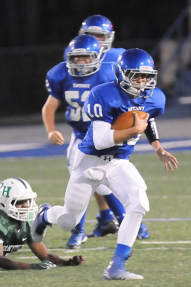 Jesse Windemaker rushed for over 100 yards and toss two touchdown passes Tuesday night. (Photo by Kevin Nagle)