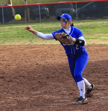 Shayla McKissock throws to first. (Photo courtesy of Jon Staton)