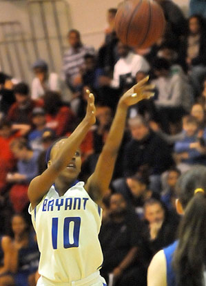 Senior Jakeria Otey scored 22 in her final home game Saturday night. (Photo by Kevin Nagle)
