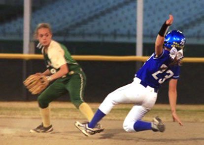 Jaclynn Greenwood (23) is forced at second. (Photo courtesy of Jon Staton)