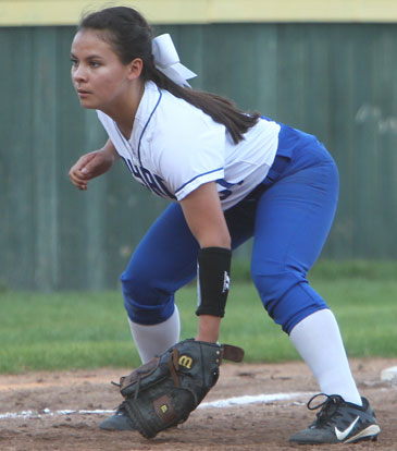 Sarah Evans sets up defensively at third. (Photo by Rick Nation)