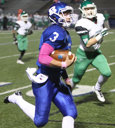 Gunnar Burks (3) heads upfield on his way to a touchdown. (Photo by Rick Nation)