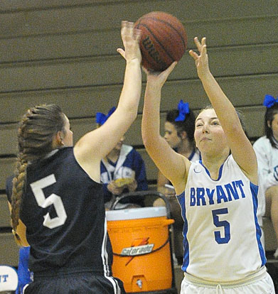 Sarah Palmer, right, looks to score. (Photo by Kevin Nagle)