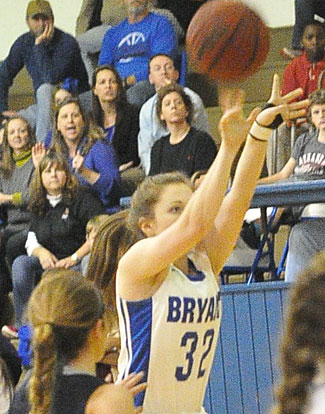 Annie Patton launches a 3. (Photo by Kevin Nagle)