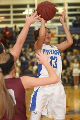 Raija Todd (13) had a game-high 19 points. (Photo by Rick Nation)