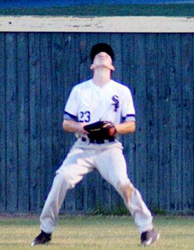 Right-fielder Matthew Sandidge settles under a flyball. (Photo courtesy of Paul Dotson)