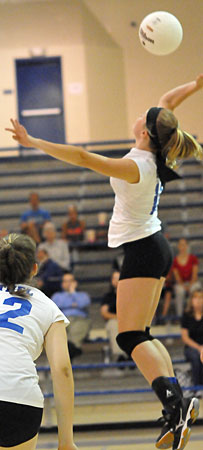 Ella Reynolds attacks. (Photo by Kevin Nagle)