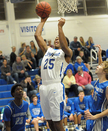 Braylen Steen scored 13 points with 16 rebounds. (Photo by Kevin Nagle)
